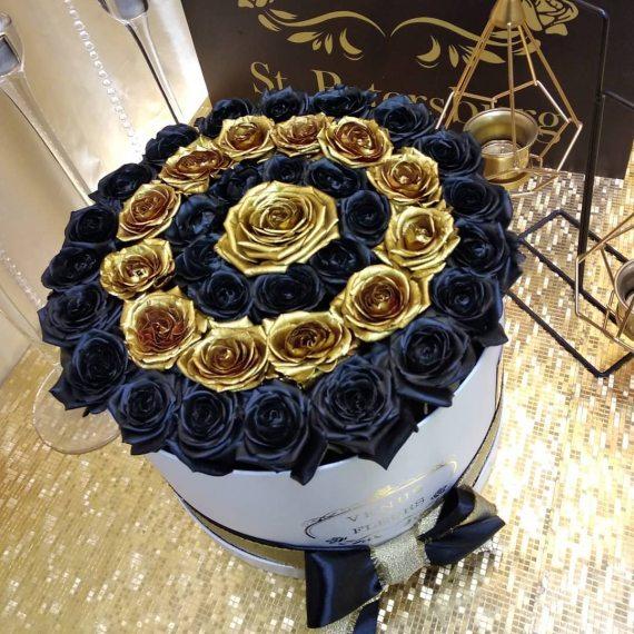 Черные розы в коробке с золотыми - Eleganzza Spiral