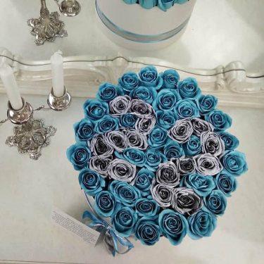 "Голубые розы в коробке ""With Date"""