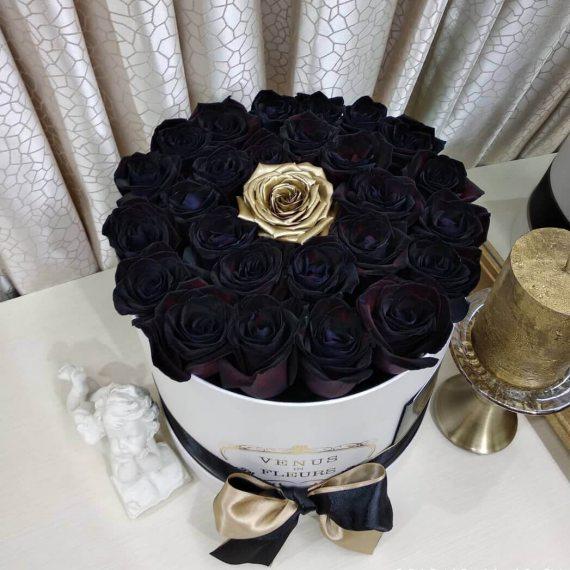 Черные розы в коробке Black Point