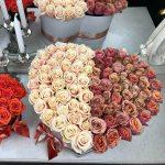 Букет цветов с добрым утром Розы в коробке Кофейные Venus in Fleurs