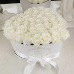 Сердце из белых роз Розы в коробке Белые Venus in Fleurs