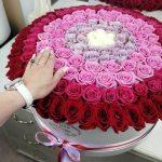 Шикарный букет из роз VIP букеты Красные Venus in Fleurs