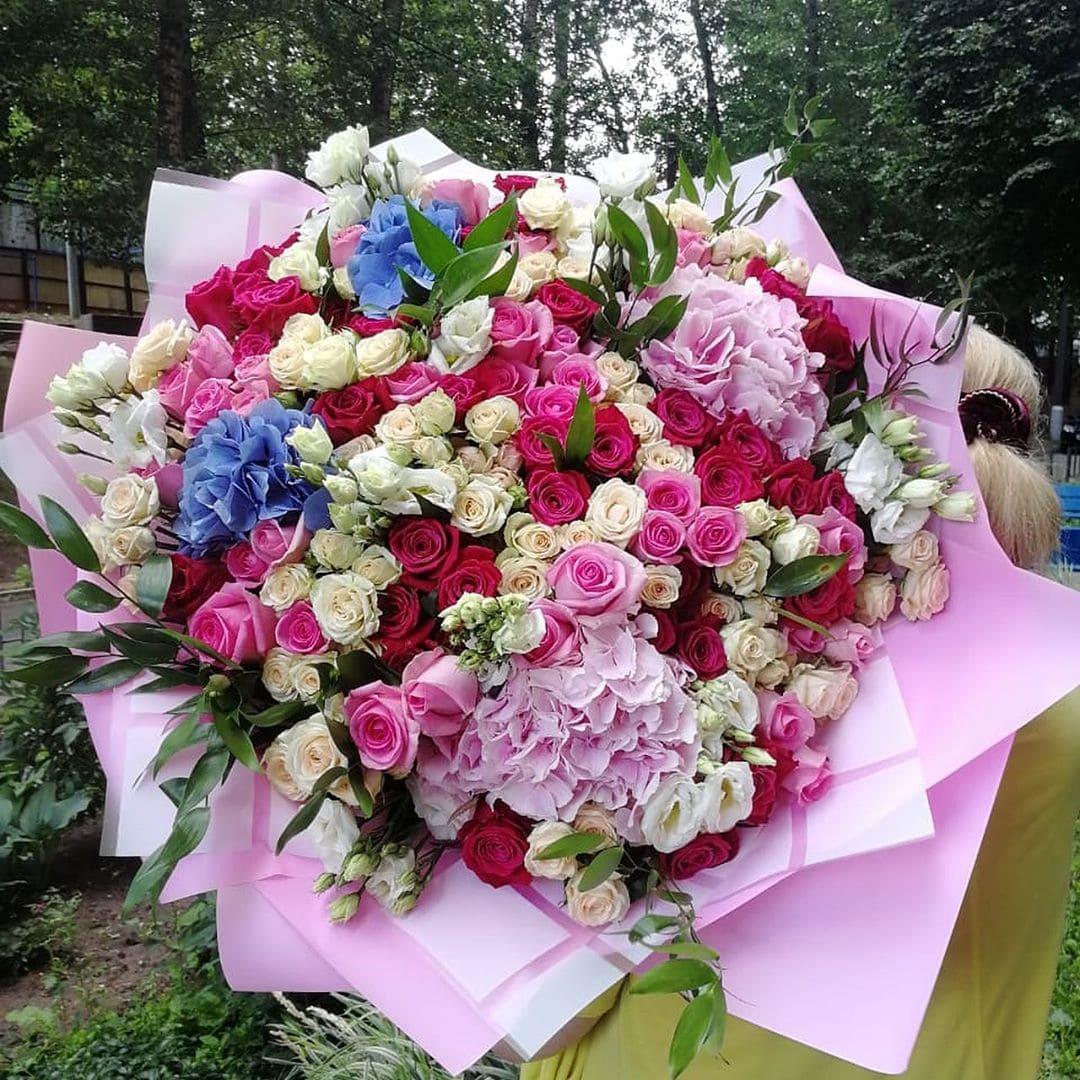 Огромный букет цветов Букеты Розовые