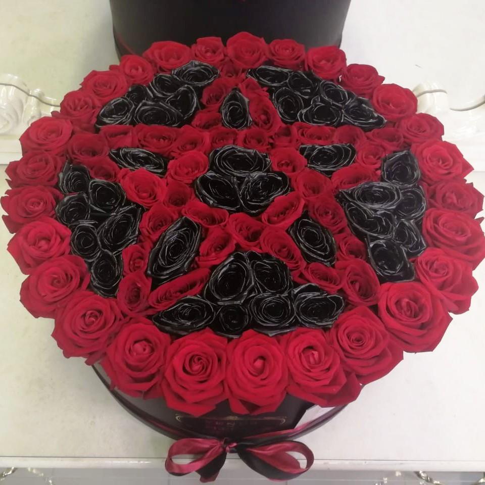 Красная Звезда Давида Черные розы Красные Venus in Fleurs