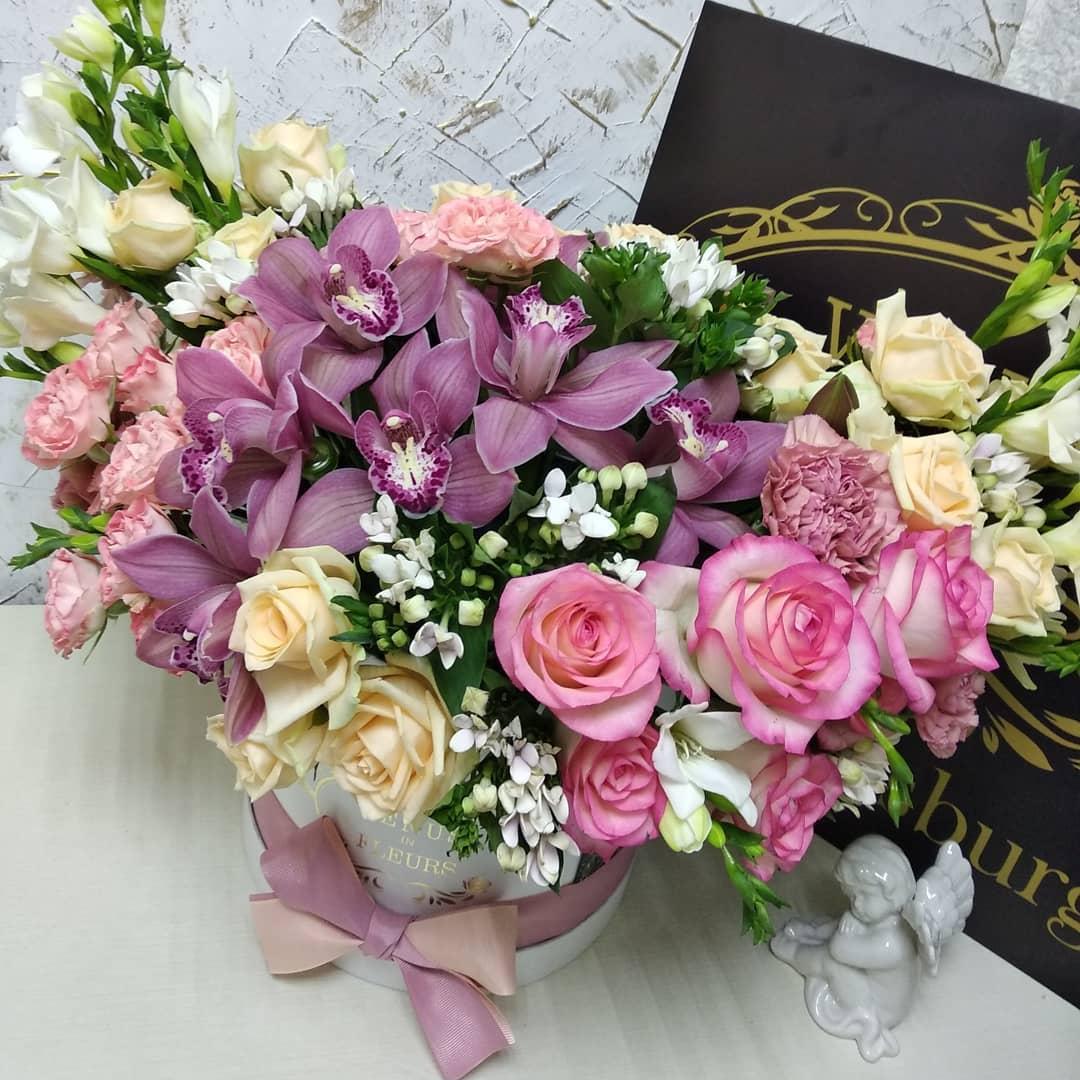 Осенняя аллегория Розовые розы Розовые