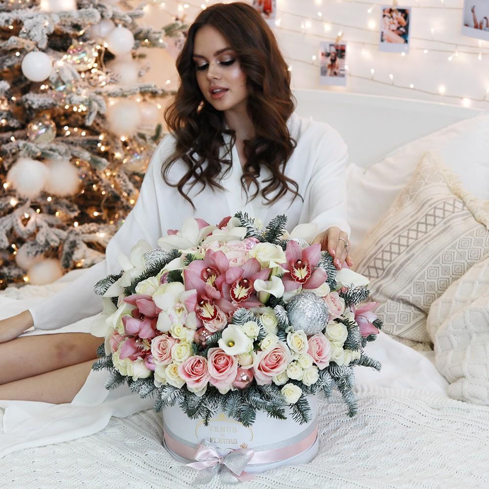 Экзотический новогодний букет Новый год Белые Venus in Fleurs
