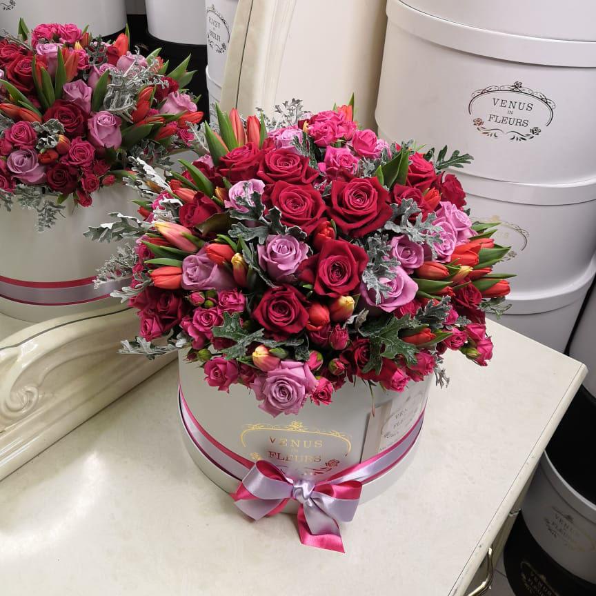 101 роза - мулен руж 101 роза в коробке Красные Venus in Fleurs