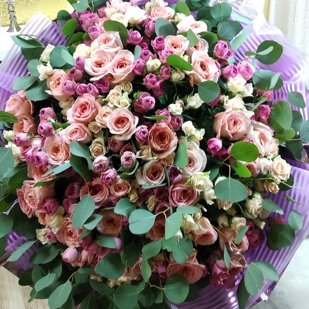 """101 роза в букете """"Весеннее чудо"""" Букет из 101 розы Venus in Fleurs"""