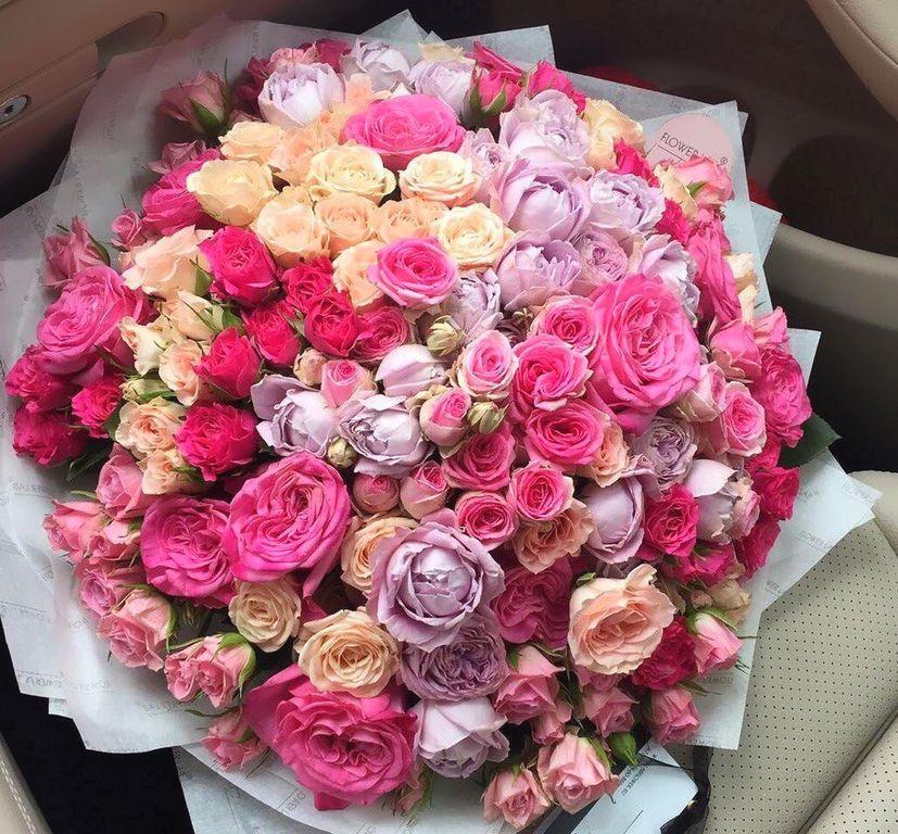 101 кустовая роза с пионовидными в букете Букет из 101 розы Розовые Venus in Fleurs
