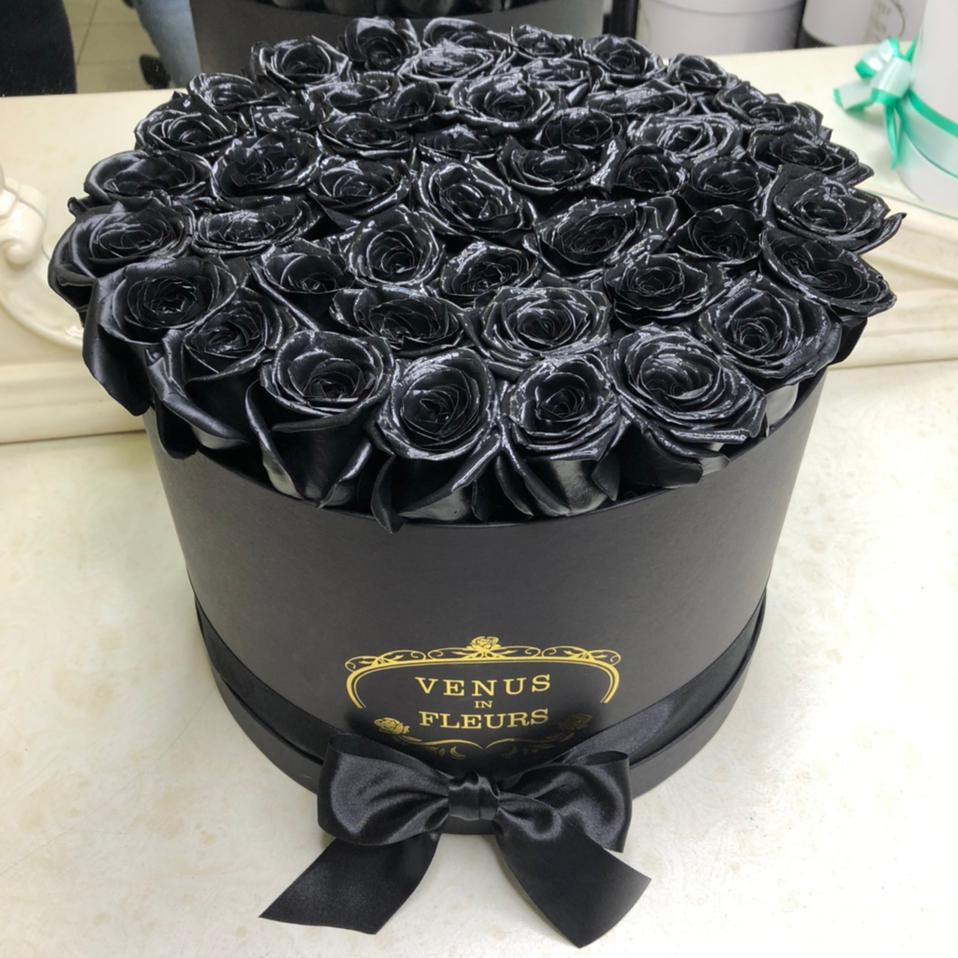 51 черная роза в коробке 51 роза в коробке Черные Venus in Fleurs