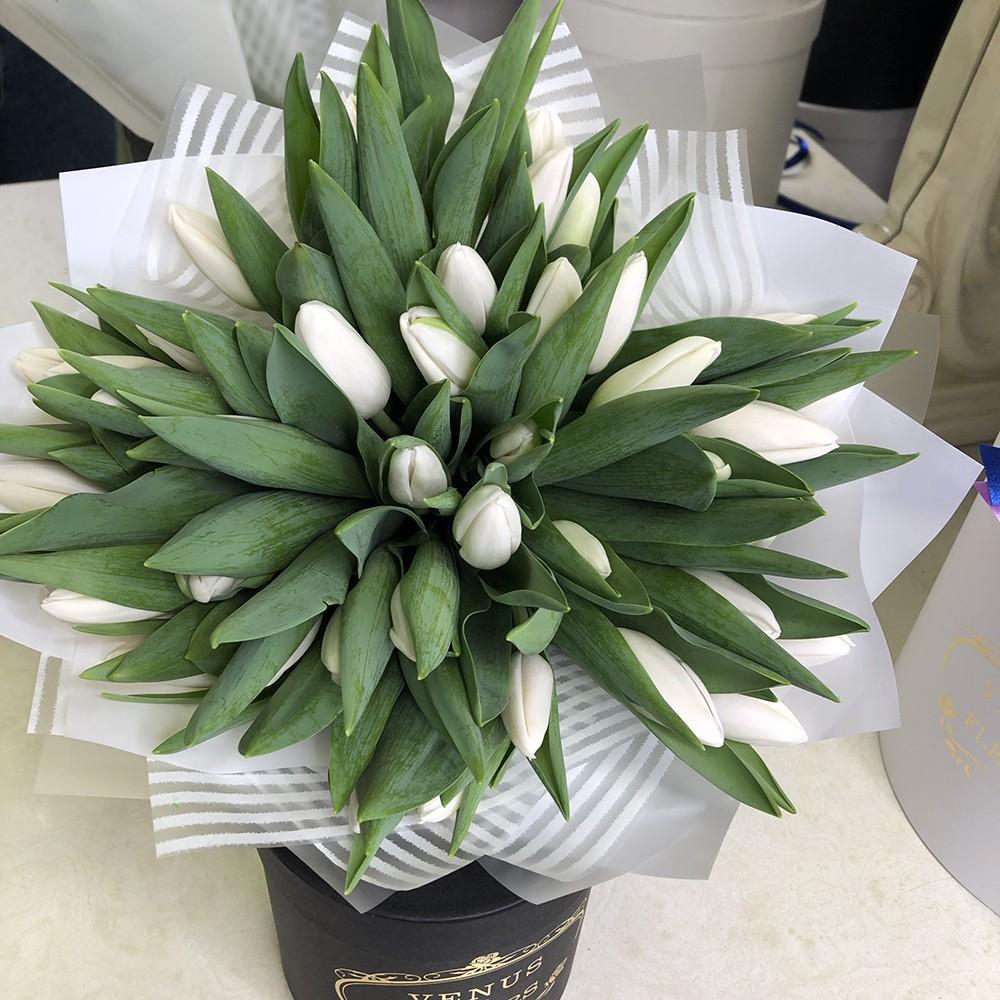 51 белый тюльпан в букете Букет из 51 розы Белые Venus in Fleurs