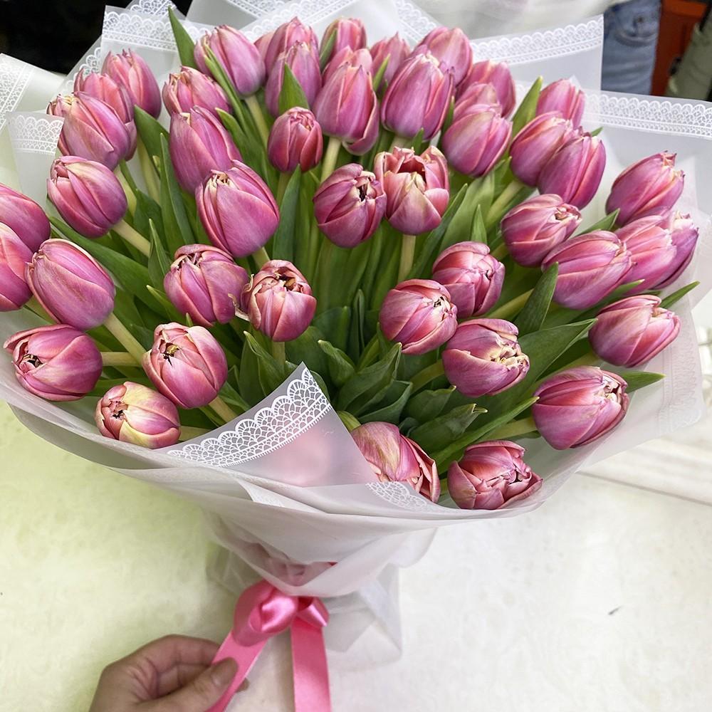 51 розовый тюльпан в букете Букет из 51 розы