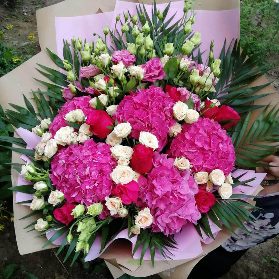 51 букет из розовых гортензий Букет из 51 розы Розовые Venus in Fleurs