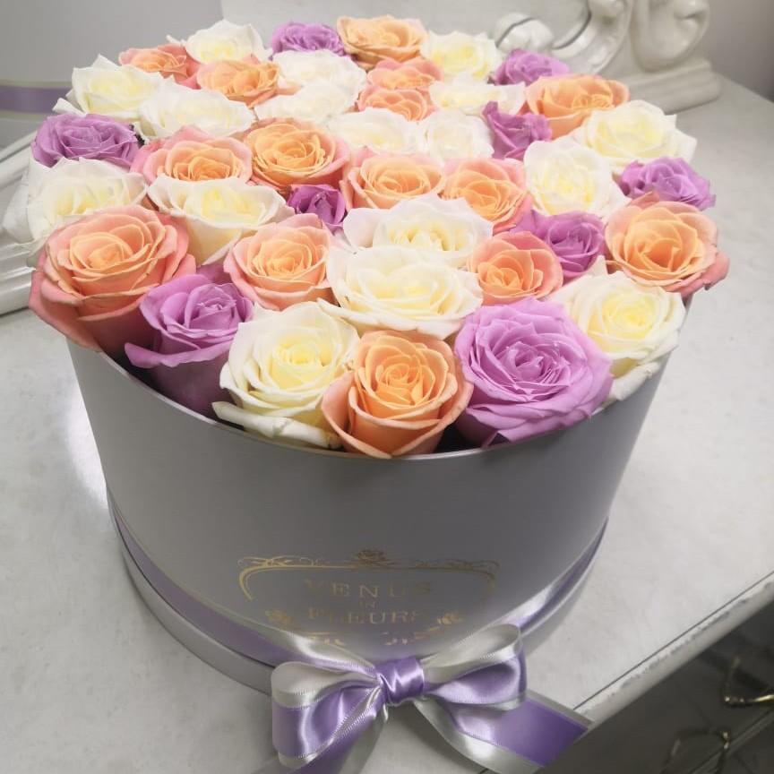 31 роза с нежном миксе 31 роза в коробке Розовые Venus in Fleurs