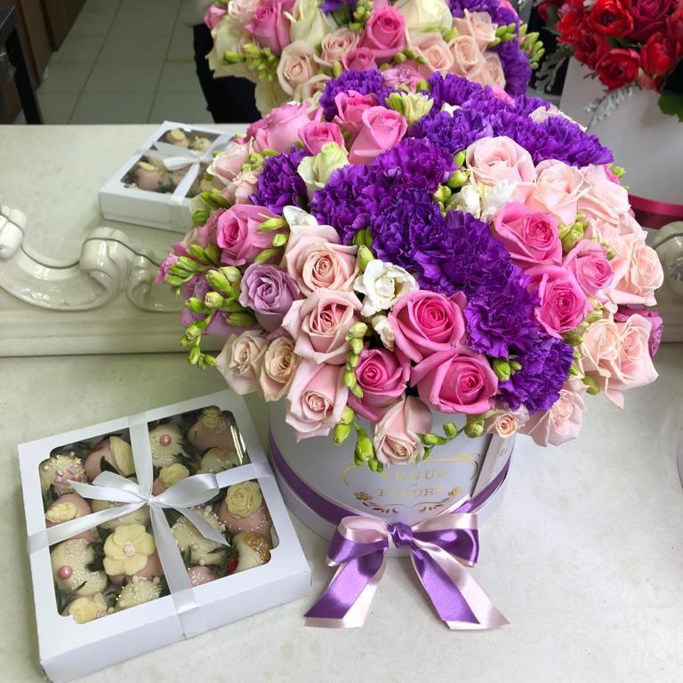 101 роза - изысканный букет 101 роза в коробке Venus in Fleurs