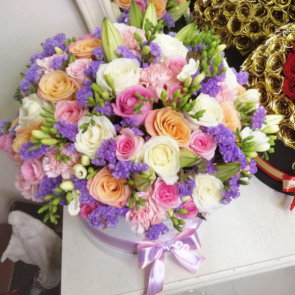 101 роза - SENSE OF LOVE 101 роза в коробке Розовые Venus in Fleurs