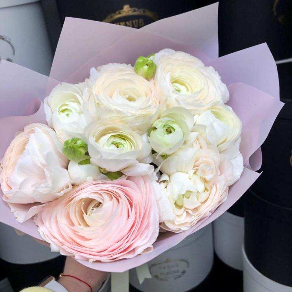 15 ранункулюсов в букете Букет из 15 роз Белые Venus in Fleurs