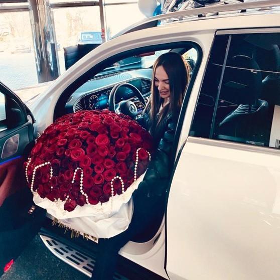 301 красная роза в букете - 70 см. Букеты Красные Venus in Fleurs