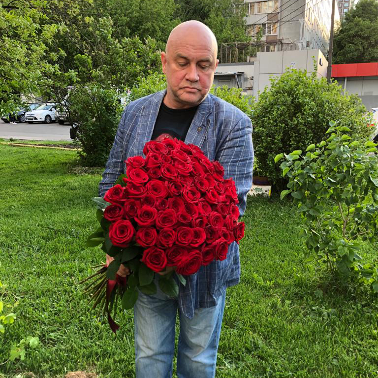 Букет роз 80 см. Букеты Красные Venus in Fleurs