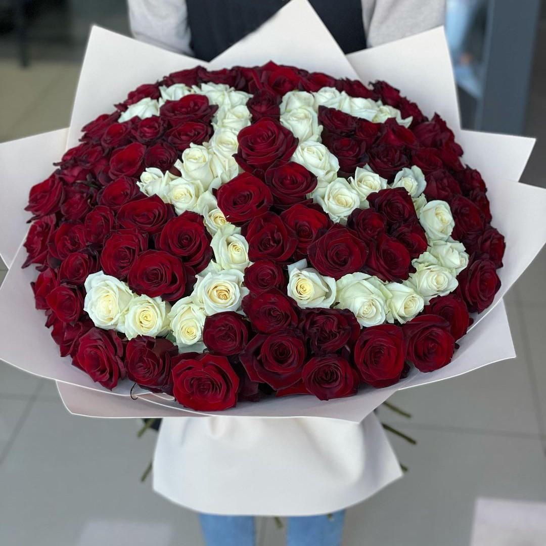 101 красная роза с датой в букете Букет из 101 розы Красные Venus in Fleurs