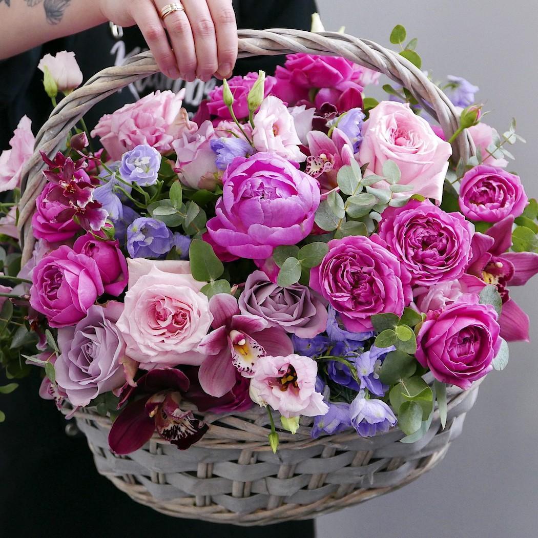 Корзина из пионов и пионовидных роз Корзины с цветами Розовые