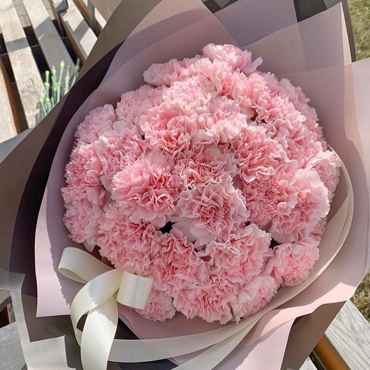 41 розовая гвоздика в букете Гвоздики Розовые Venus in Fleurs