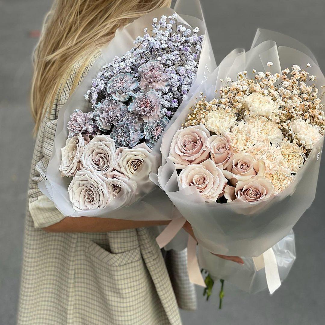 Розы с гипсофилой в букете Гипсофила Белые
