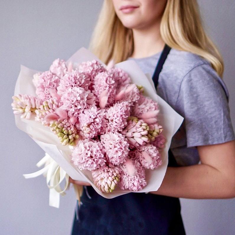 19 нежных гиацинт в букете Гиацинты Розовые Venus in Fleurs