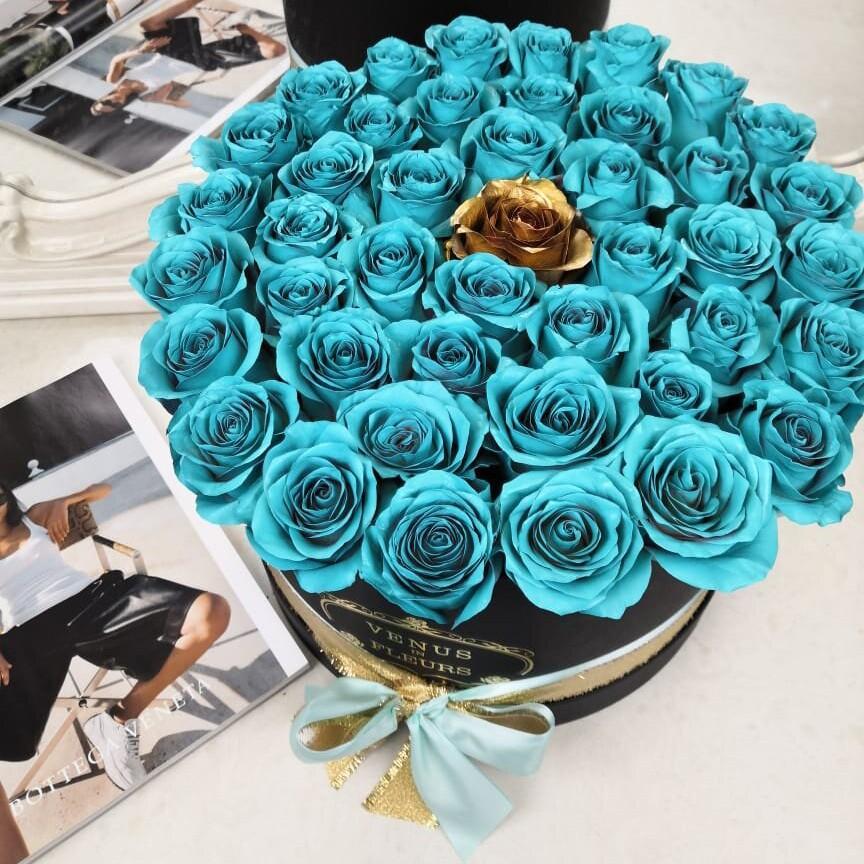 Тиффани розы в коробке Бизнес-букеты Золотые Venus in Fleurs