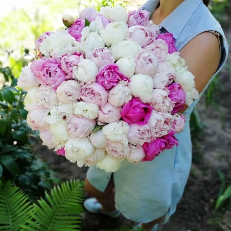 Красивый букет цветов пионы Букеты Розовые