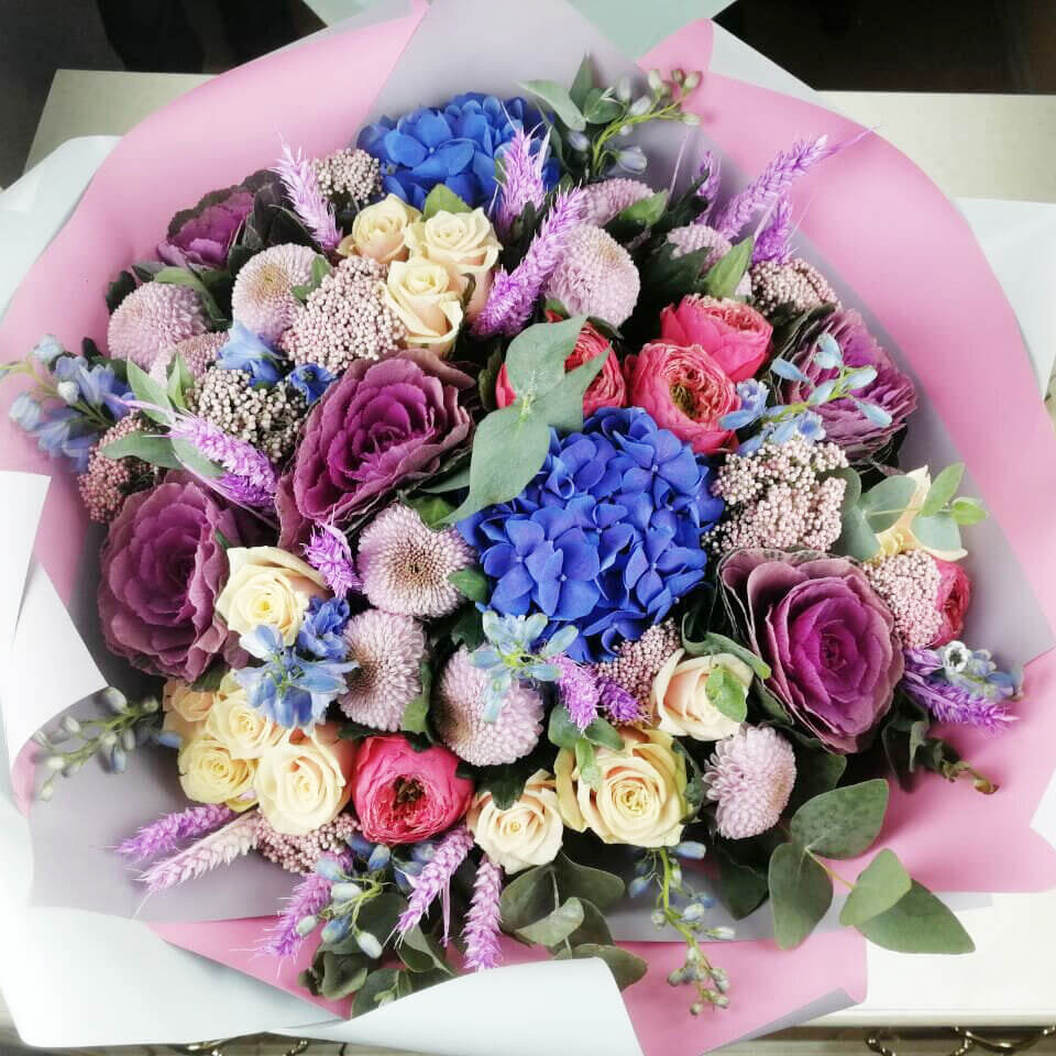 Яркий букет цветов Бизнес-букеты Розовые Venus in Fleurs