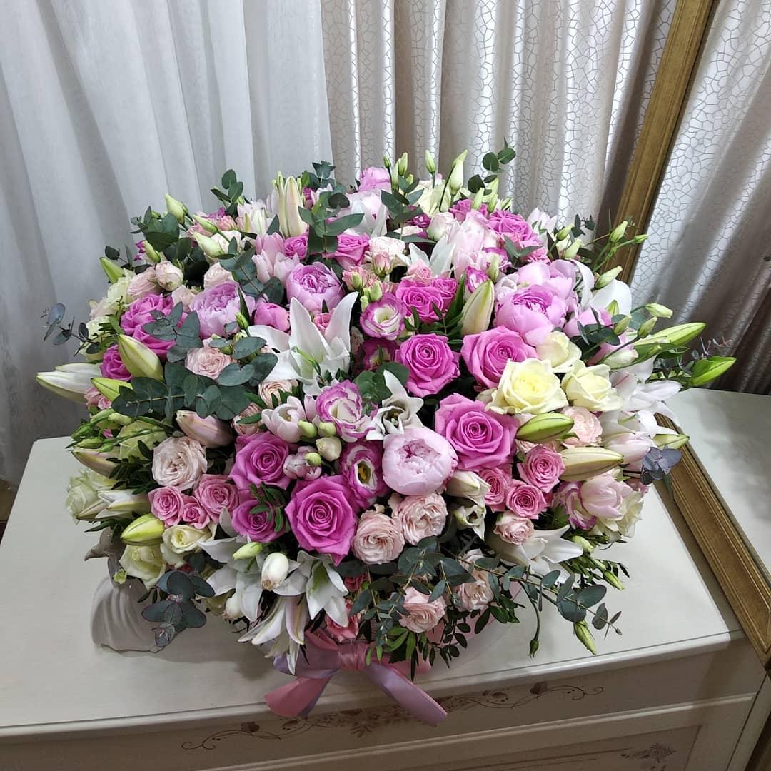Люкс букет ВИП букеты Розовые Venus in Fleurs