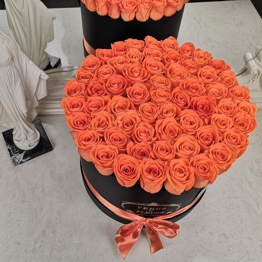 Оранжевые розы от 19 шт. Бизнес-букеты Оранжевые Venus in Fleurs