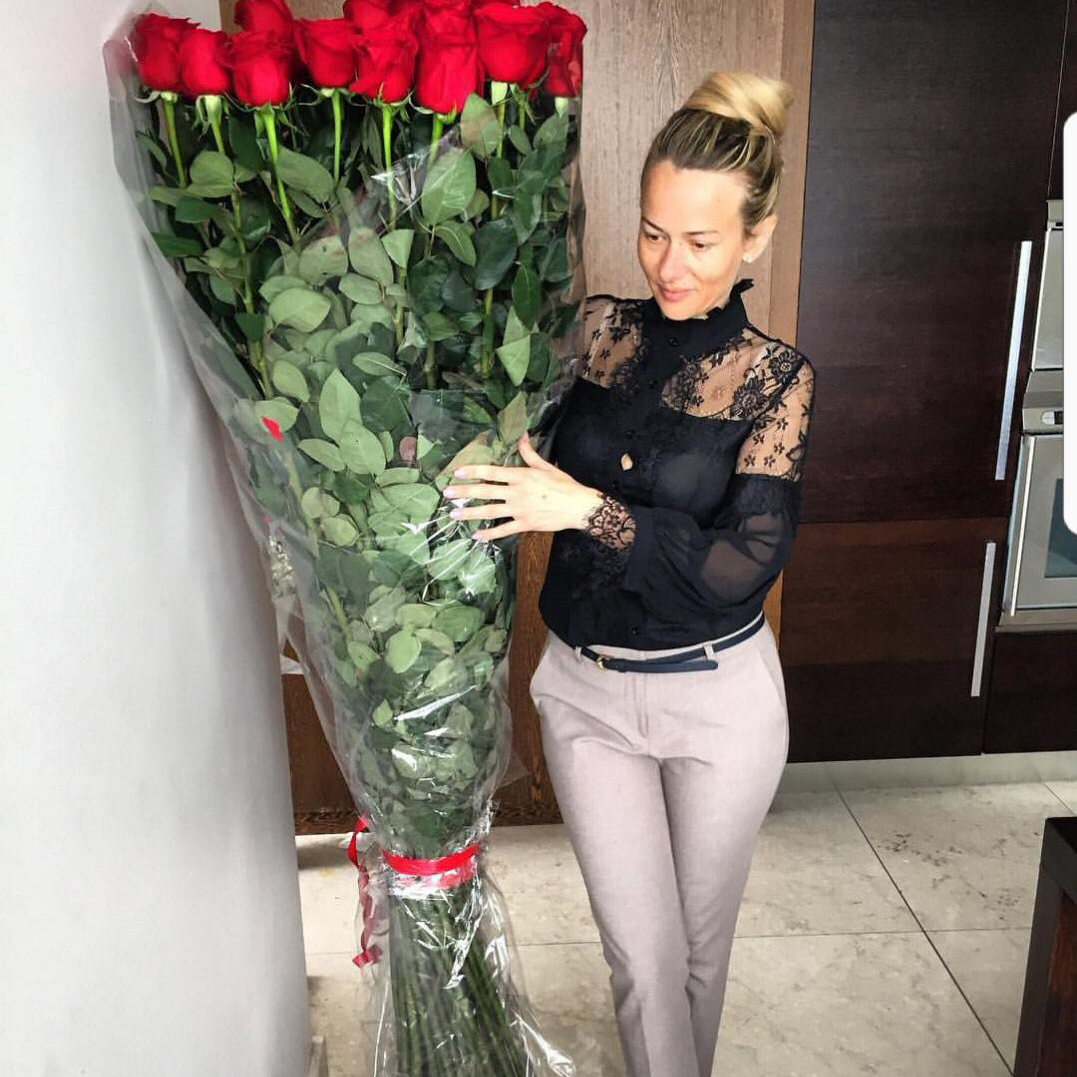 Розы 2 метра Букеты Красные Venus in Fleurs