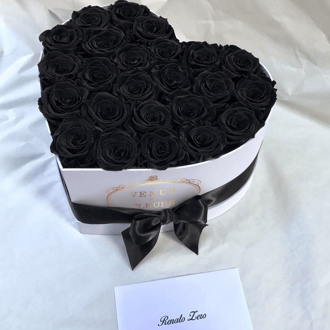Черные розы - сердце Розы в коробке Черные Venus in Fleurs