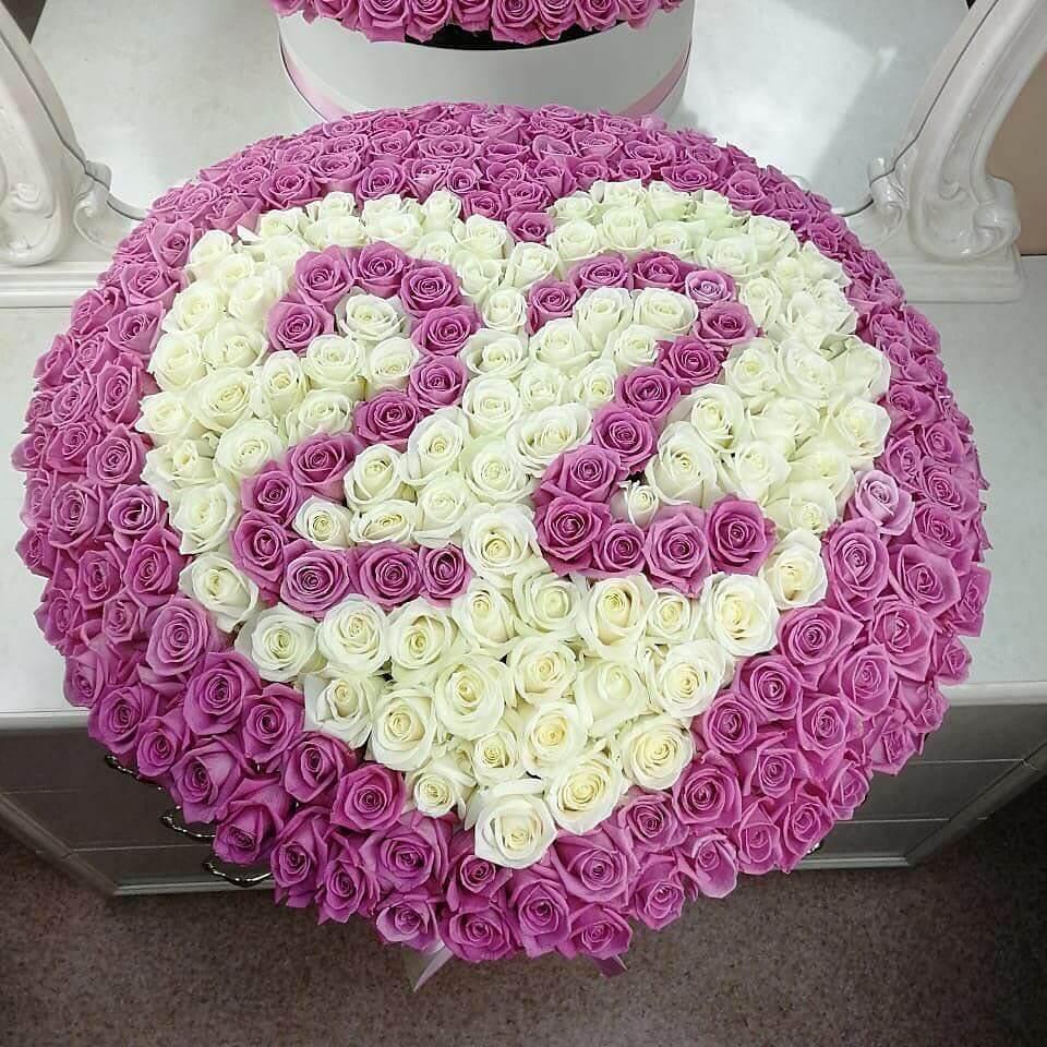 301 роза Розы в коробке Розовые Venus in Fleurs