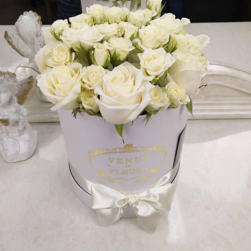 Чайные розы Бизнес-букеты Белые Venus in Fleurs