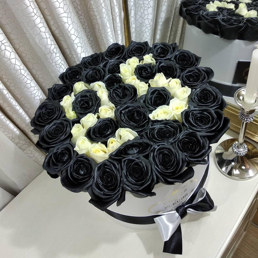 Черные розы с датой Бизнес-букеты Белые Venus in Fleurs