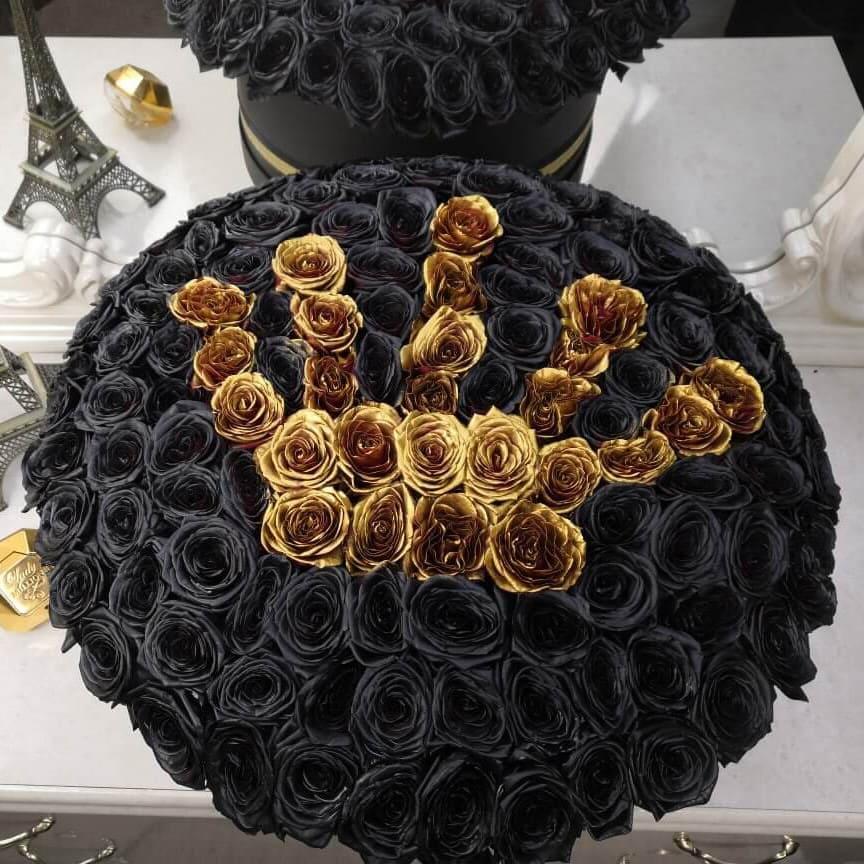 Черные розы с золотой короной Versace Розы в коробке Золотые Venus in Fleurs