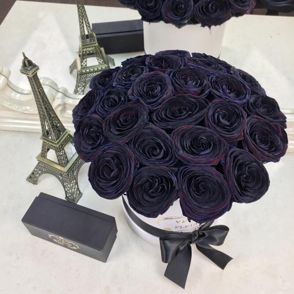 Черные розы в коробке Розы в коробке Черные