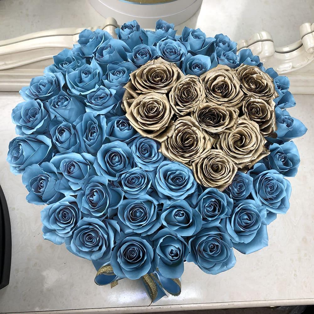 Голубые розы с золотым сердцем 3D Розы в коробке Голубые Venus in Fleurs
