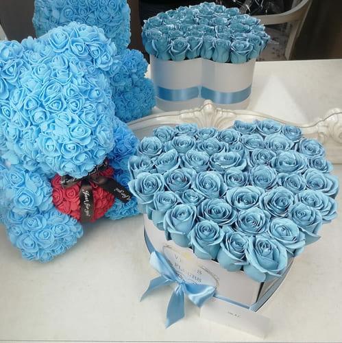 Голубые розы в коробке - сердце Сердца Голубые Venus in Fleurs