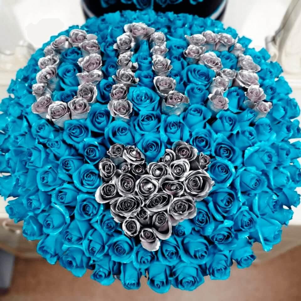 """Голубые розы в коробке """"Silver Name"""" Розы с буквой Голубые"""