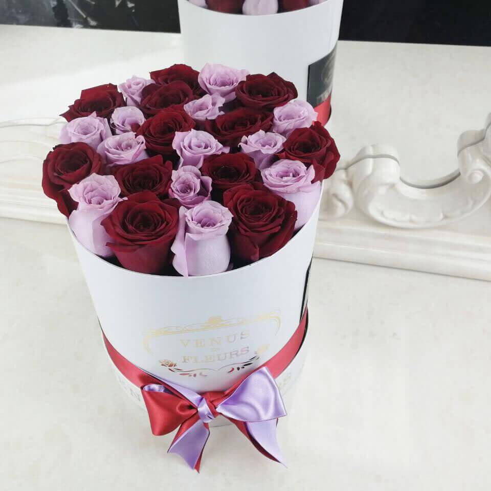 Красно-фиолетовые розы Бизнес-букеты Красные