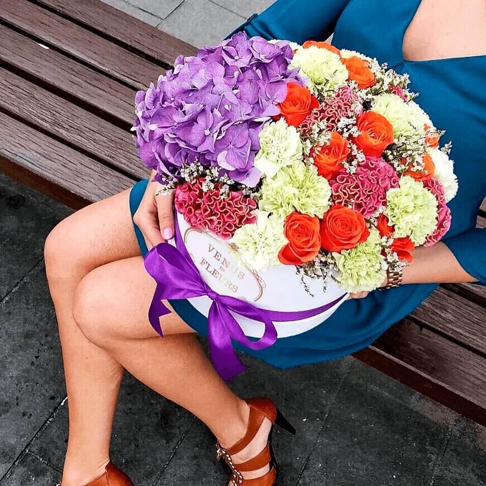 Летний букет цветов Миксы цветов в коробке Белые Venus in Fleurs