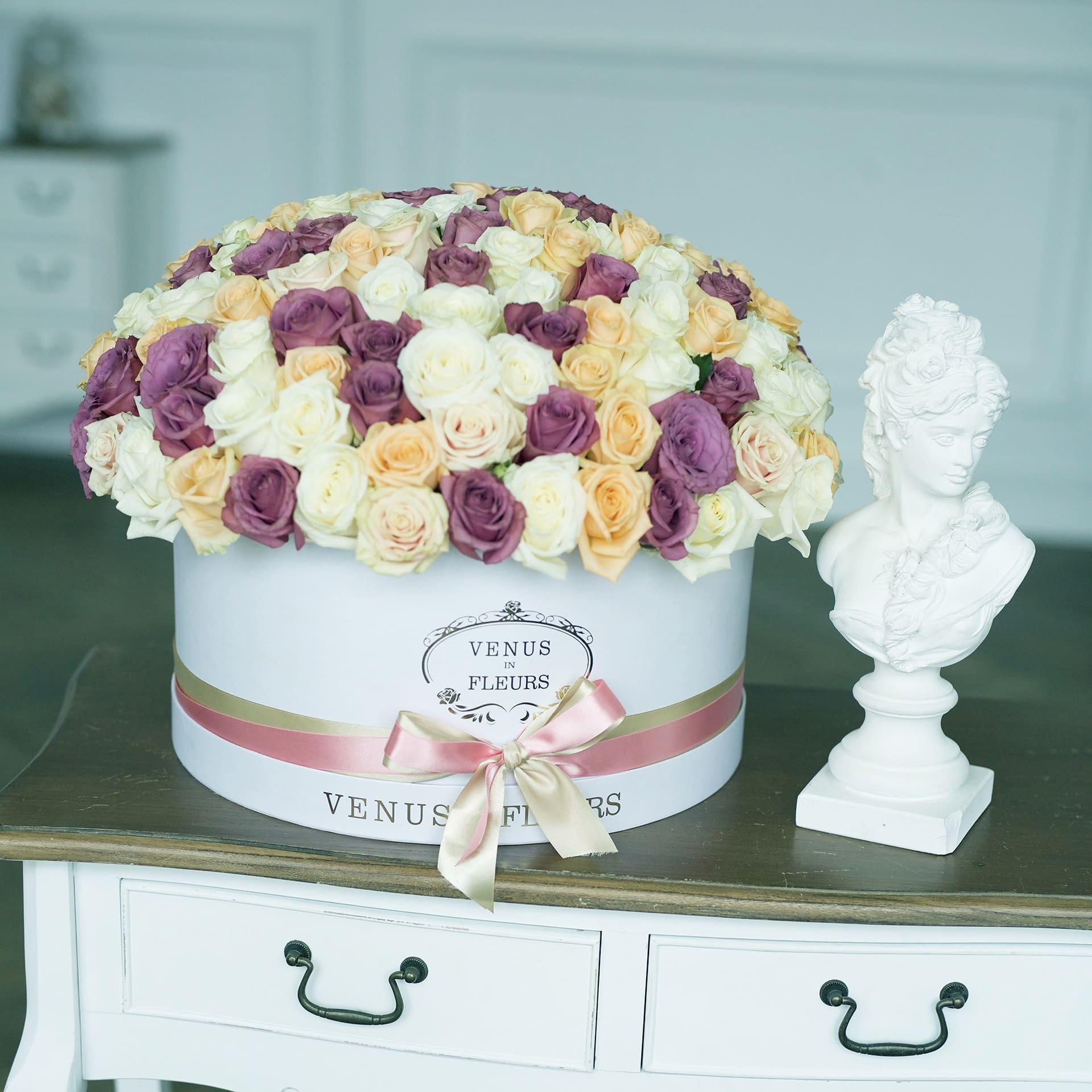 Нежный букет от 61 шт. Бизнес-букеты Белые Venus in Fleurs