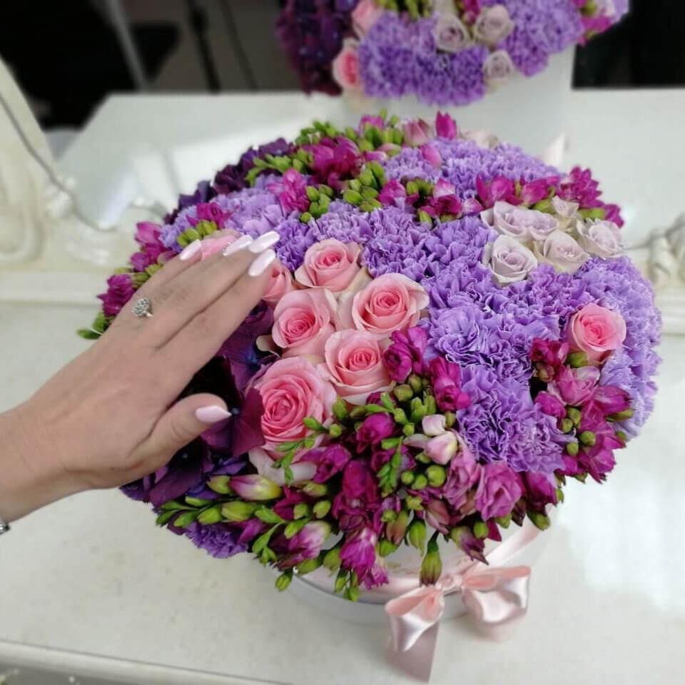 Очаровательный букет VIP букеты Розовые Venus in Fleurs