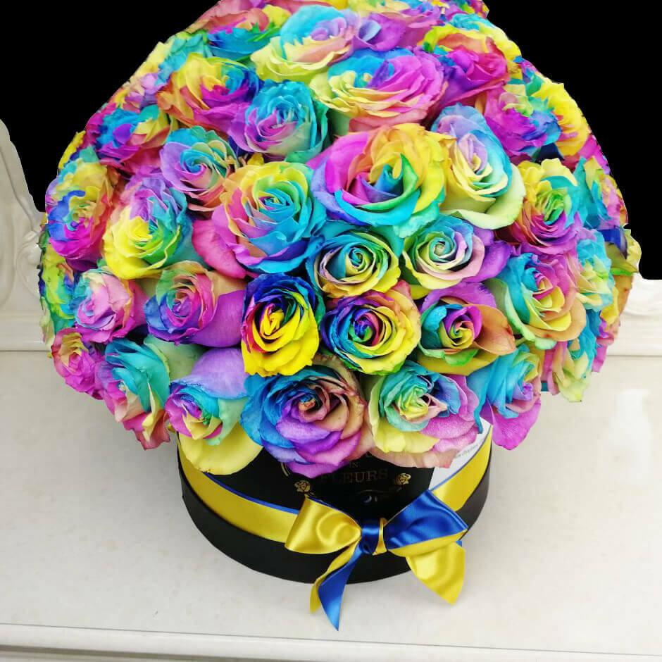 Радужные розы в коробке - пышные Розы в коробке Радужные