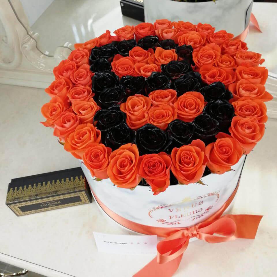 Розы с черной буквой Бизнес-букеты Черные Venus in Fleurs