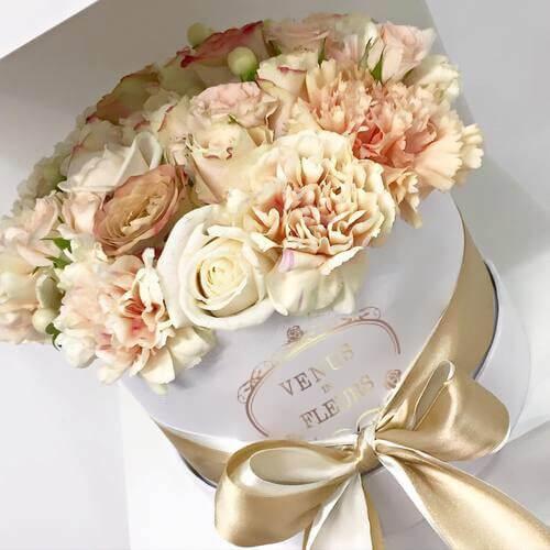 Сочетание цветов кофейный в коробке Цветы в коробке Кофейные